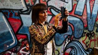 A La Chaux-de-Fonds, la comédienne Camille Mermet réinvente les visites guidées