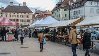 La place du Marché de La Chaux-de-Fonds sans voiture ?