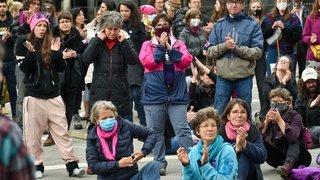 GREVE DES FEMMES CHX 12593