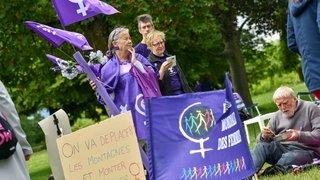 GREVE DES FEMMES NE 12559