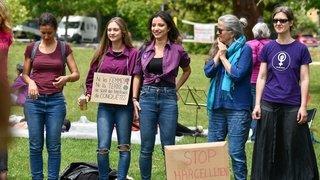 GREVE DES FEMMES NE 12563