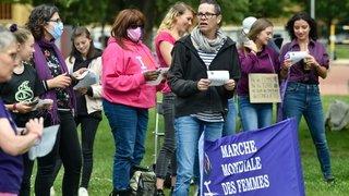 GREVE DES FEMMES NE 12566