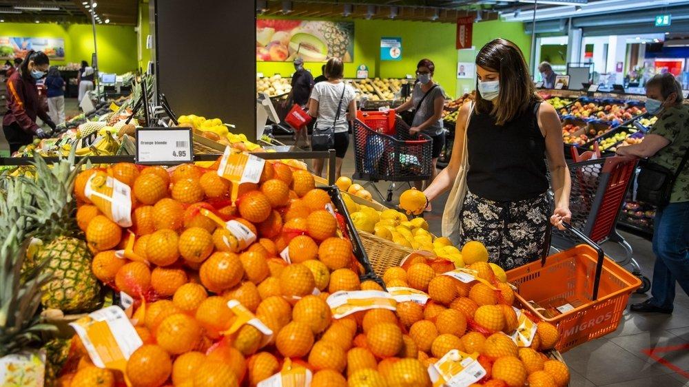 Le canton de Vaud a rendu le port du masque obligatoire dans les commerces le 8 juillet. Ici dans un supermarché de Crissier.
