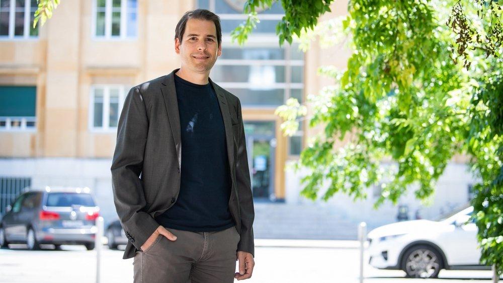 Daniel Kaufmann, professeur assistant à l'Institut de recherches économiques de l'Université de Neuchâtel, a conçu une courbe qui permet de suivre la conjoncture économique en direct.