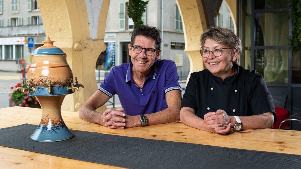 Pierre-Alain et Marianne Rohrer sont aux commandes des Six-Communes depuis plus de 20 ans. Ils expliquent pourquoi ils ont décidé d'arrêter.