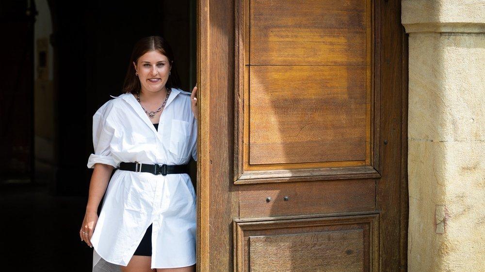Elisa Stamm a fait ses études à l'Ecole d'arts appliqués de La Chaux-de-Fonds, section N'mod.