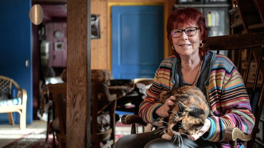 Tomi Tomek, fondatrice du refuge SOS Chats de Noiraigue, photographiée en février 2020.