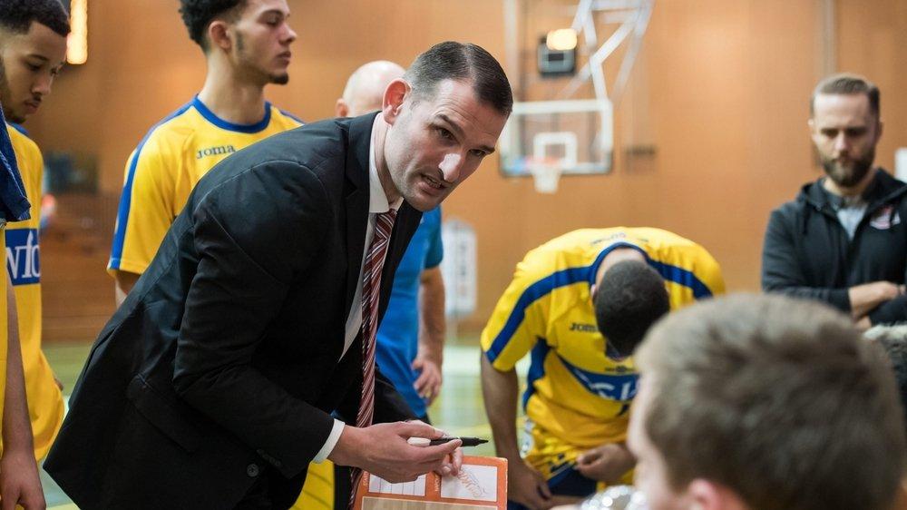 Mitar Trivunovic, coach assistant d'Union Neuchâtel, devra rester dix jours en quarantaine une fois de retour de Serbie.