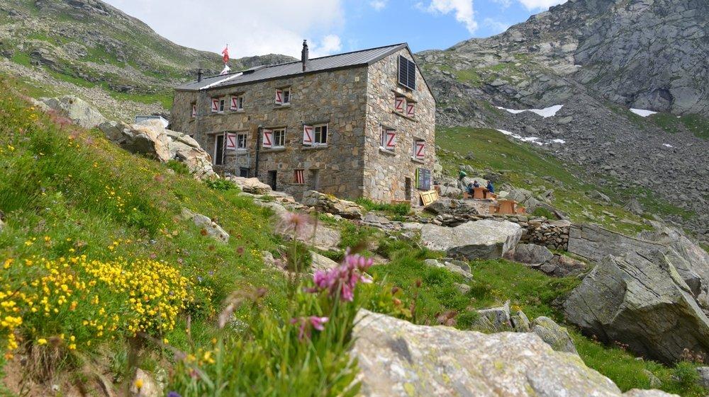 La cabane du Binntal est située au pied du col de l'Albrun, qui mène en Italie.