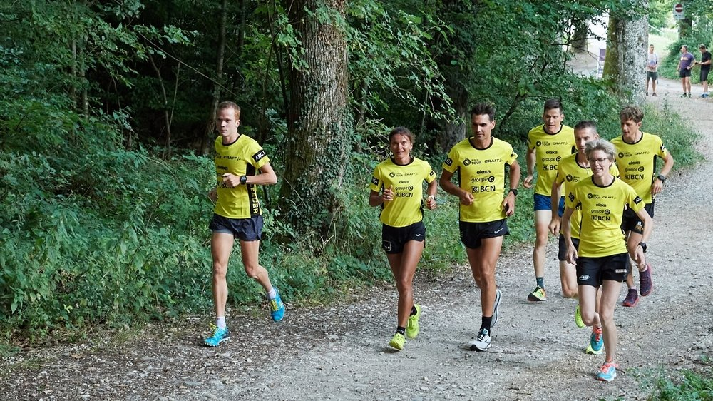 Les sept maillots jaunes qui ont répondu présents, de gauche à droite: Julien Fleury, Laurence Yerly, Jonathan Raya, Alexandre Rognon, Christophe Stauffer, Angéline Flückiger-Joly et Marc Lauenstein.