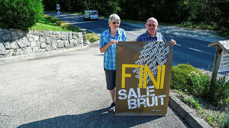 L'affiche posée au bord de la route par Nicole et Jean-Pierre Jeanneret n'est plus nécessaire.