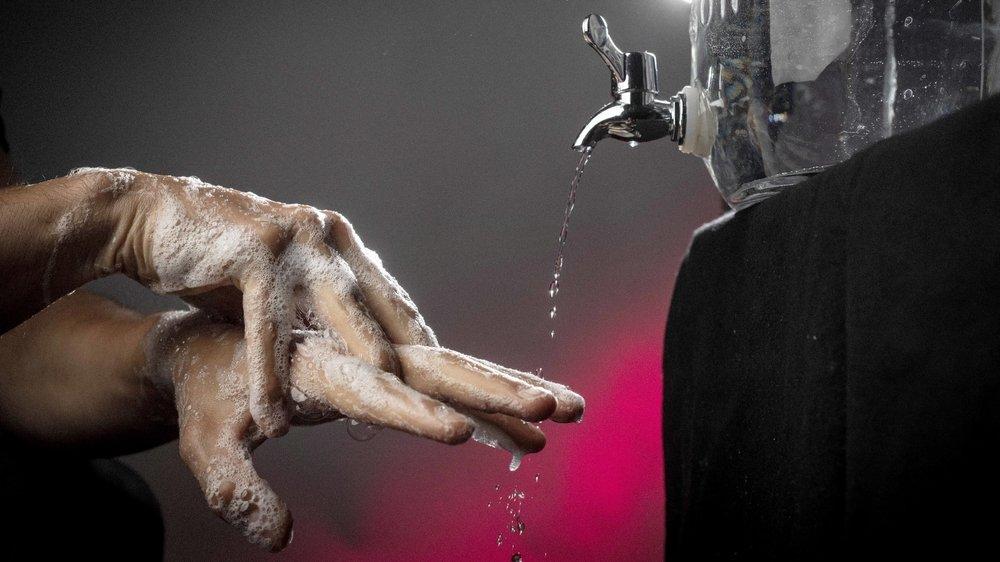 L'hygiène des mains possède non seulement une histoire médicale surprenante, mais aussi sociale.