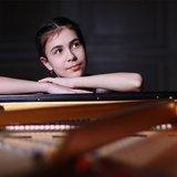 Alexandra Dovgan, piano