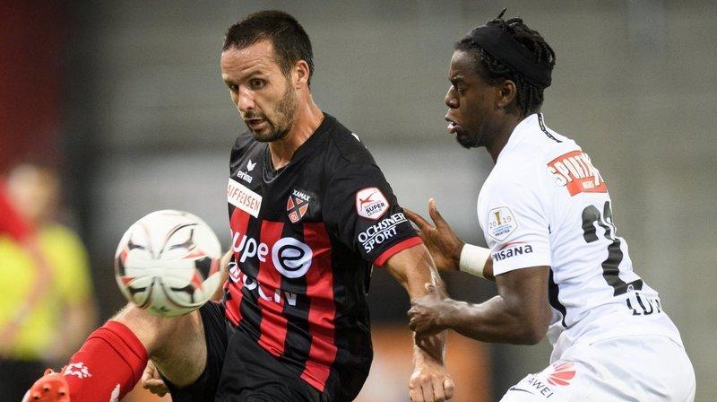 Raphaël Nuzzolo sera toujours le fer de lance de l'offensive xamaxienne la saison prochaine.