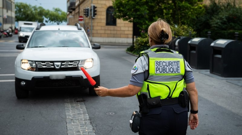 Le ton se durcit contre les véhicules en zone piétonne de Neuchâtel