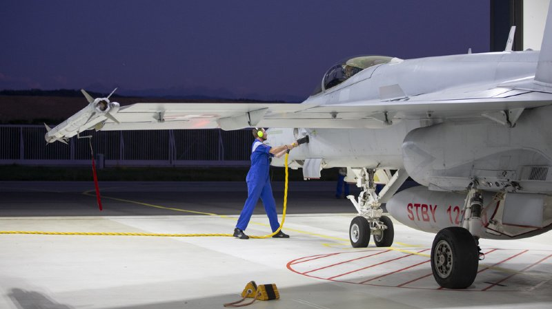 Votations fédérales: la campagne pour des avions de combat est lancée