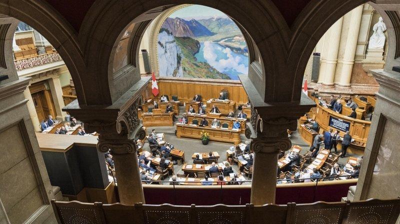 De 13000à 25000 francs en moyenne par an: les élus romands divulguent les revenus de leurs liens d'intérêts