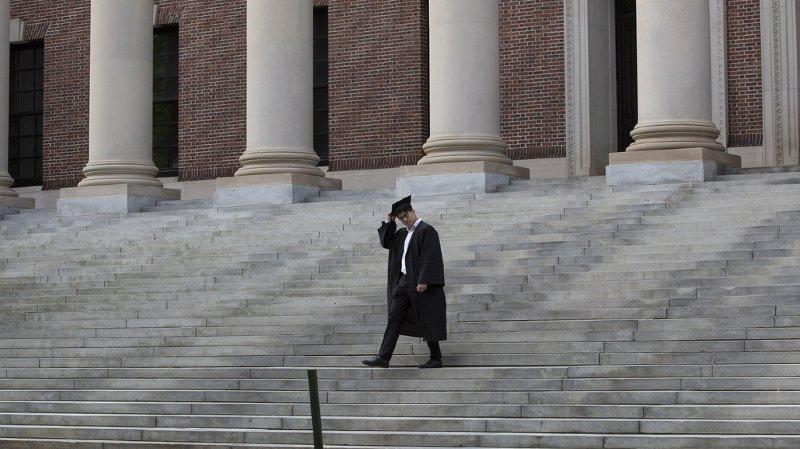 Des milliers d'étudiants risquaient d'être expulsés.