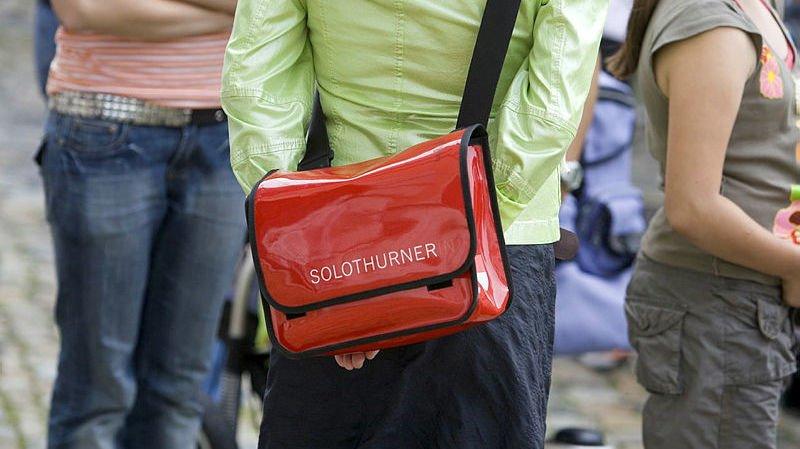 Neuchâtel: trois voleurs de sacs devant la justice