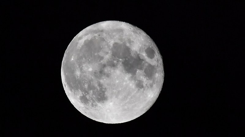 Astronomie: bombardement de météorites sur la Lune il y a 800 millions d'années