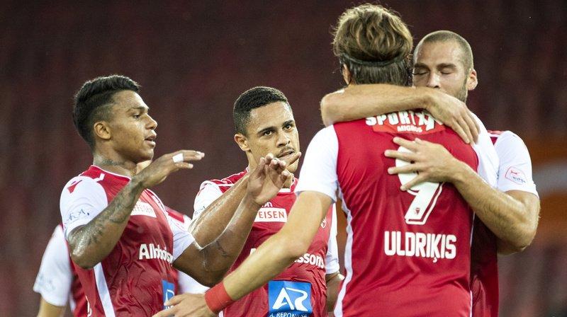Football: Sion bat Zurich 2 à 0 et n'est plus barragiste