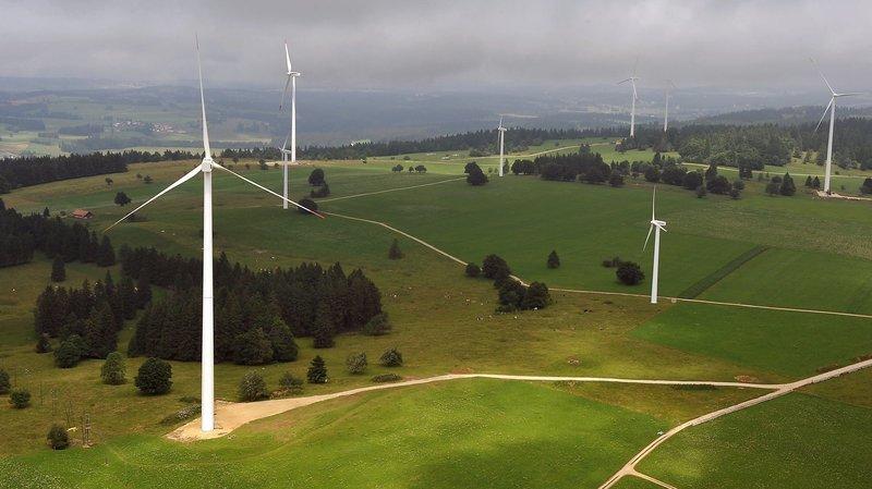 """A sa construction, """"le parc éolien de Mont-Crosin devenait une curiosité et une source d'espoir pour de nombreux amis des énergies douces"""" écrit un de nos lecteurs."""
