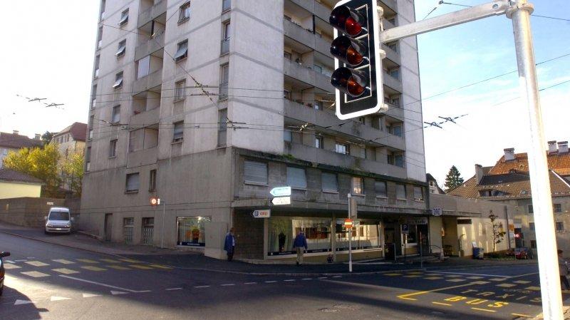La Chaux-de-Fonds: piéton renversé et héliporté à l'hôpital