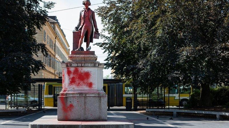 Neuchâtel: coloration de la statue de Pury revendiquée sur le site d'un collectif romand d'ultragauche