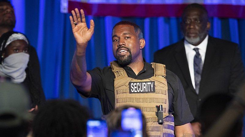 Présidentielle américaine: en larmes, le rappeur Kanye West lance sa campagne