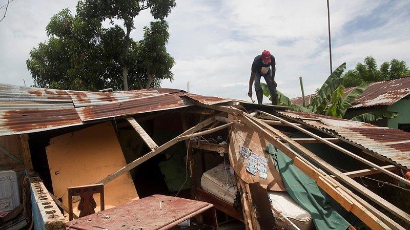 Tempête tropicale: après avoir ravagé les Bahamas, Isaias en route pour la Floride