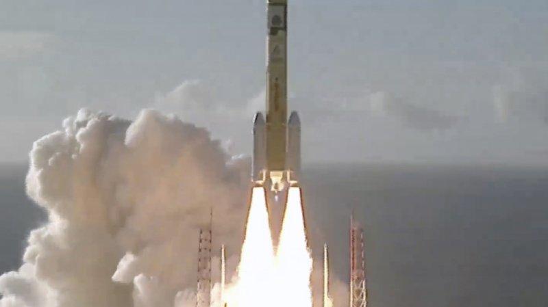 Espace: la première mission spatiale arabe en route pour la planète Mars
