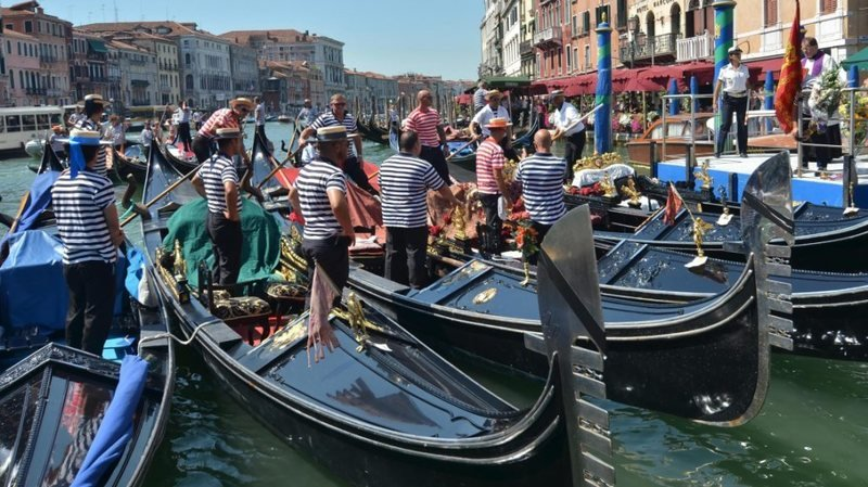 Venise limite le nombre de touristes «en surpoids» sur les gondoles