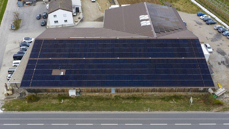 Energie solaire: une surface de plus de 300 terrains de foot recouverte en 2019 en Suisse