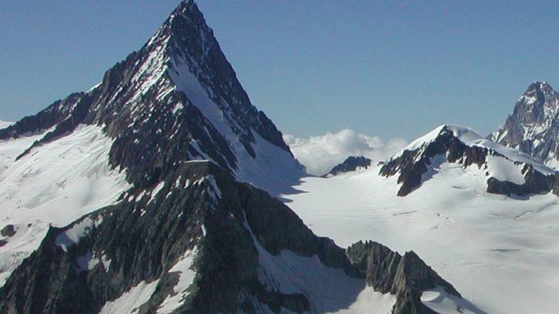Valais: un alpiniste allemand perd la vie sur les hauts de Fiesch
