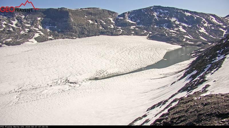Une vue du lac glacière ce vendredi matin, prise par la webcam qui surveille son évolution.