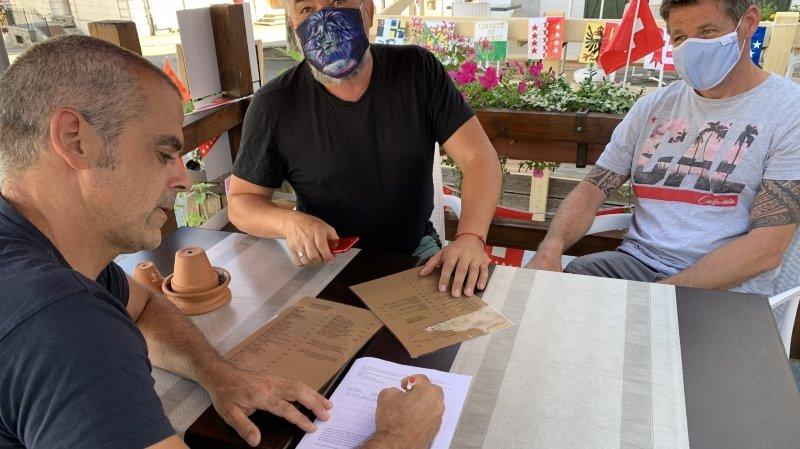 Covid-19: dans les restaurants, les mesures de traçage se heurtent à la réticence des Neuchâtelois