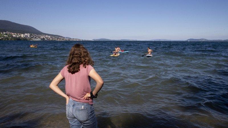 Cyanobactéries: la baignade à nouveau autorisée dans le lac de Neuchâtel
