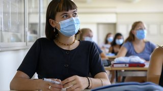 Postobligatoire: les élèves neuchâtelois devront payer leurs masques dès le 7septembre
