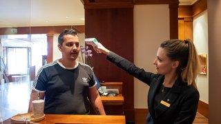 Neuchâtel: au Beau-Rivage, on prend la température des employés devant les touristes