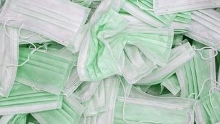 Coronavirus: masques fournis par la Confédération bons pour la poubelle