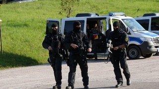 Allemagne: des centaines de policiers recherchent un fugitif armé à Oppenau