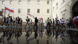 Bélarus: des milliers de manifestants dans la rue, Loukachenko rejette toute médiation