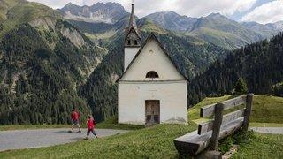 Suisse: la présence du loup pourrait condamner certains secteurs de randonnée