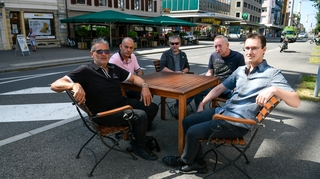 78 signatures contre la taxe pour les terrasses chaux-de-fonnières