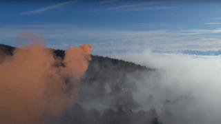 L'artiste Mandril nous fait planer au-dessus du brouillard neuchâtelois