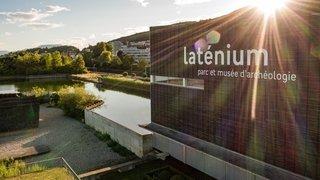 Spectacle à l'aube, ateliers pour enfants, yoga: le Laténium se met en mode estival