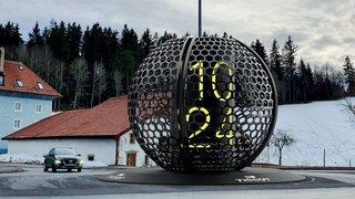 Trois horloges aux portes de La Chaux-de-Fonds