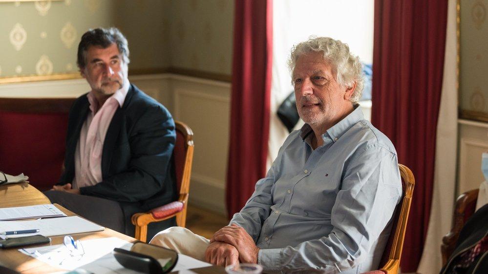 Le professeur Nago Humbert et le médecin cantonal Claude-François Robert se sont associés pour organiser une cérémonie du souvenir pour rétablir le processus de deuil bouleversé par les mesures de restrictions sanitaires.