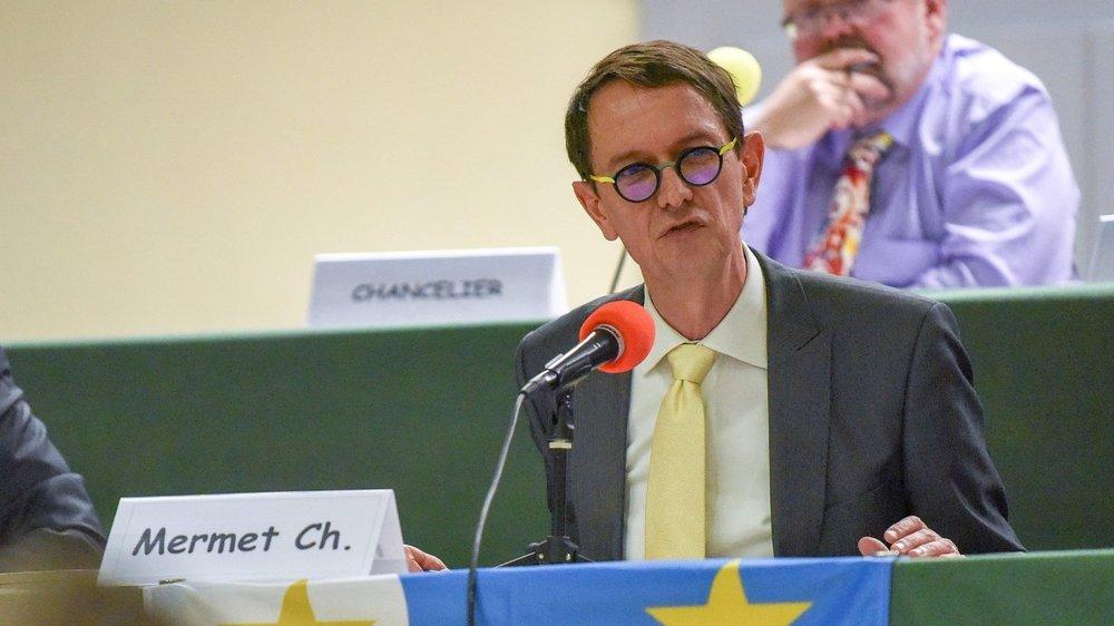 Christian Mermet, siègant lors du Conseil général, remet sa place pour la prochaine législature. Le Parti socialiste du Val-de-Travers n'entend pas le céder.
