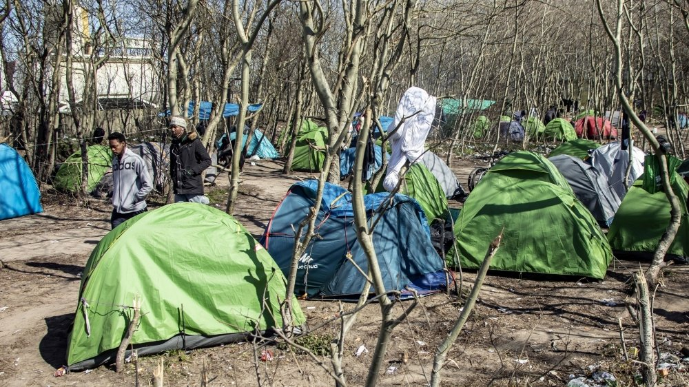 Aux yeux du gouvernement français, la situation des migrants n'est pas suffisamment détériorée pour justifier une aide aussi systématique de la part des associations.